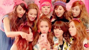 Girls-Generation-Dancing-Queen-MV-452x254